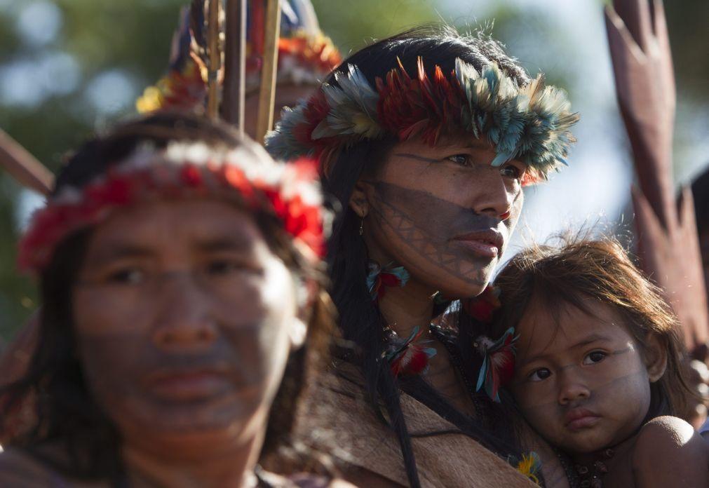 Garimpeiros incendeiam casas em aldeia indígena no estado brasileiro do Pará
