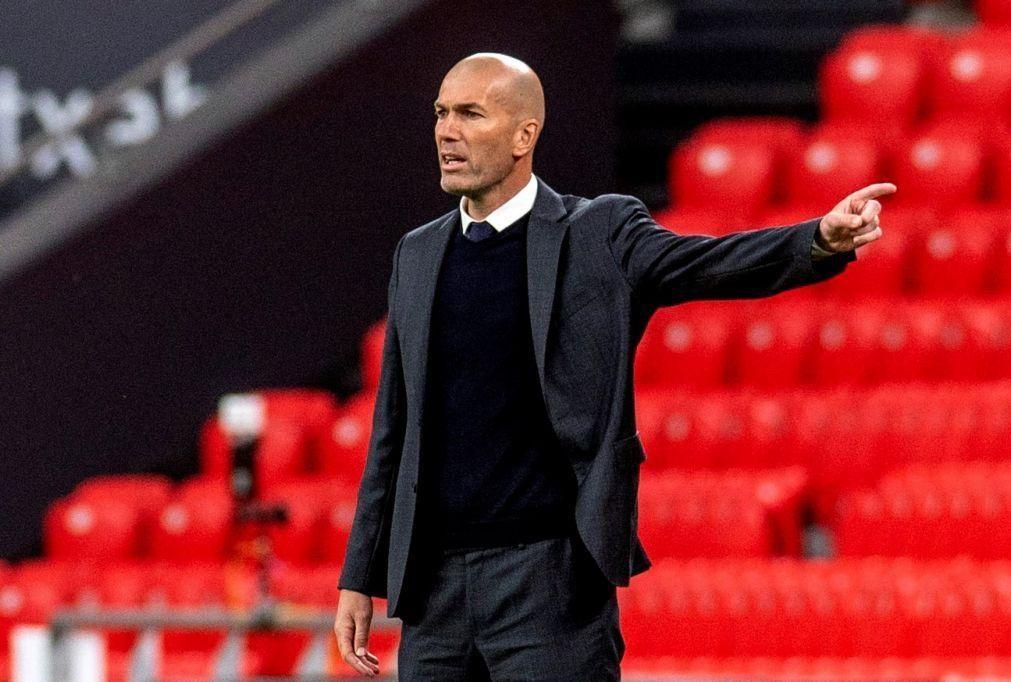 Zidane deixa de ser treinador do Real Madrid após época desastrosa