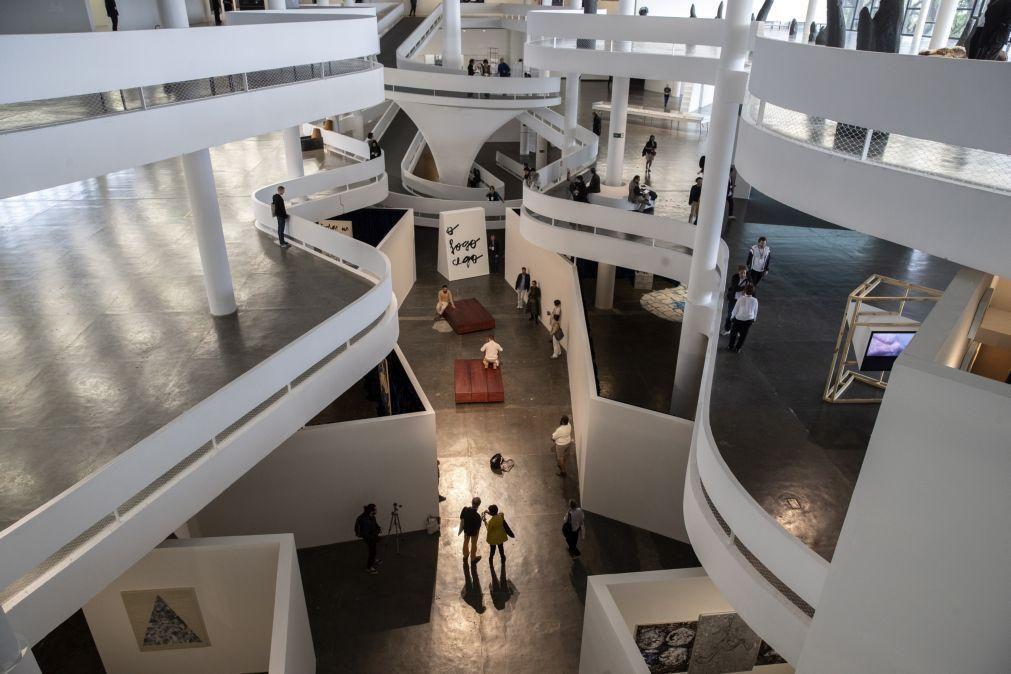 Artistas Mariana Caló e Francisco Queimadela participam na Bienal de São Paulo