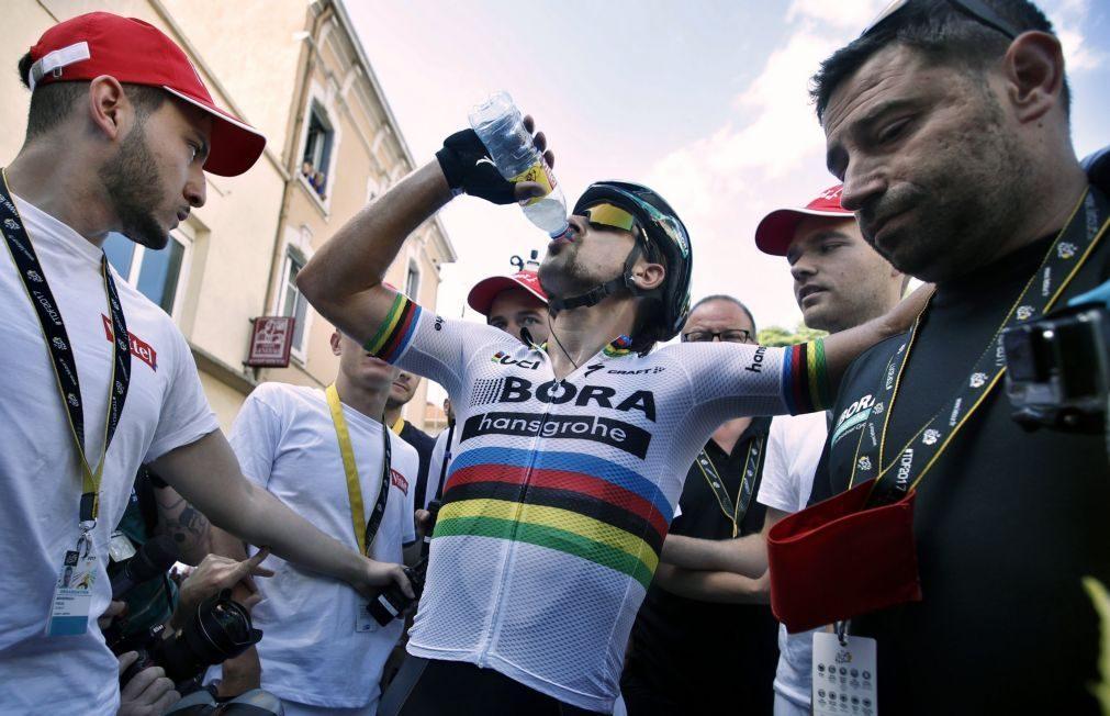 Tour: Peter Sagan expulso