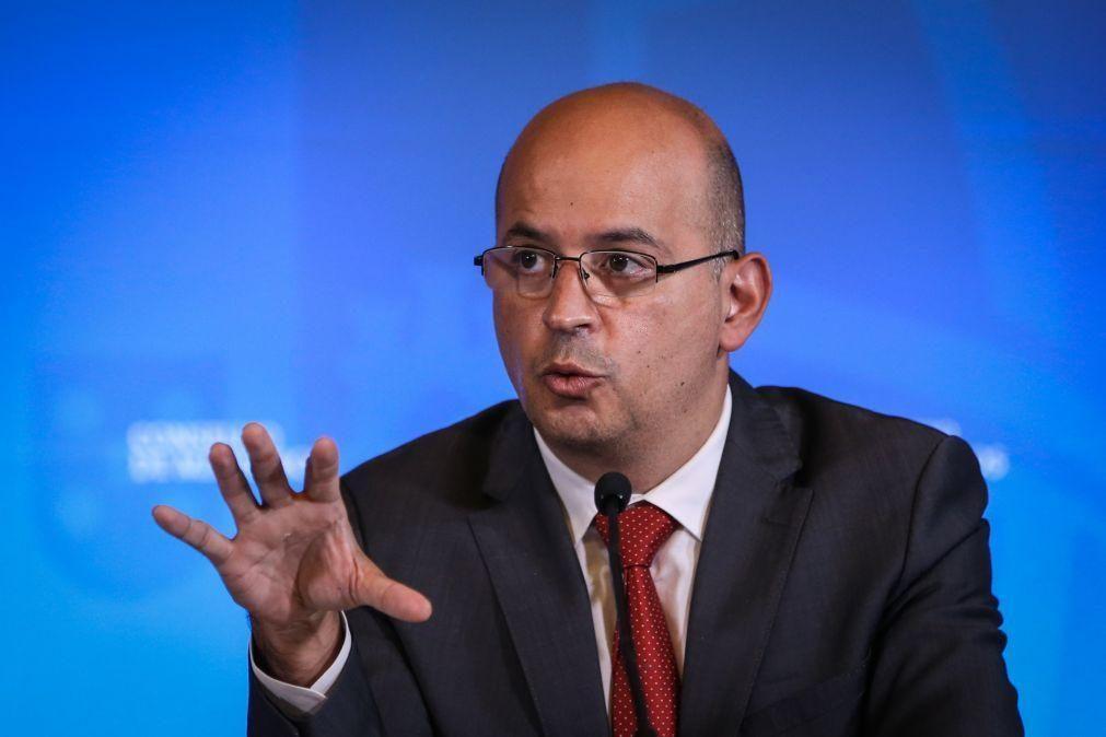 Ministro das Finanças indica injeção de capital de 429ME no Novo Banco mas falta fechar valor