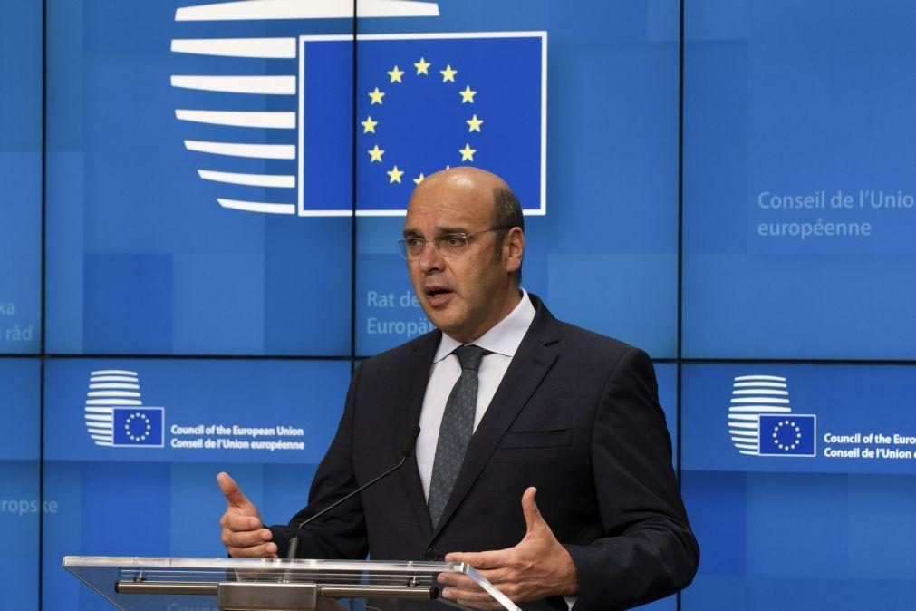 UE/Presidência: Portugal tem que assegurar entrada de turistas em segurança - Siza Vieira