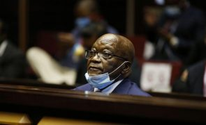 Ex-Presidente sul-africano Zuma condenado a pagar 600 mil euros em custas judiciais