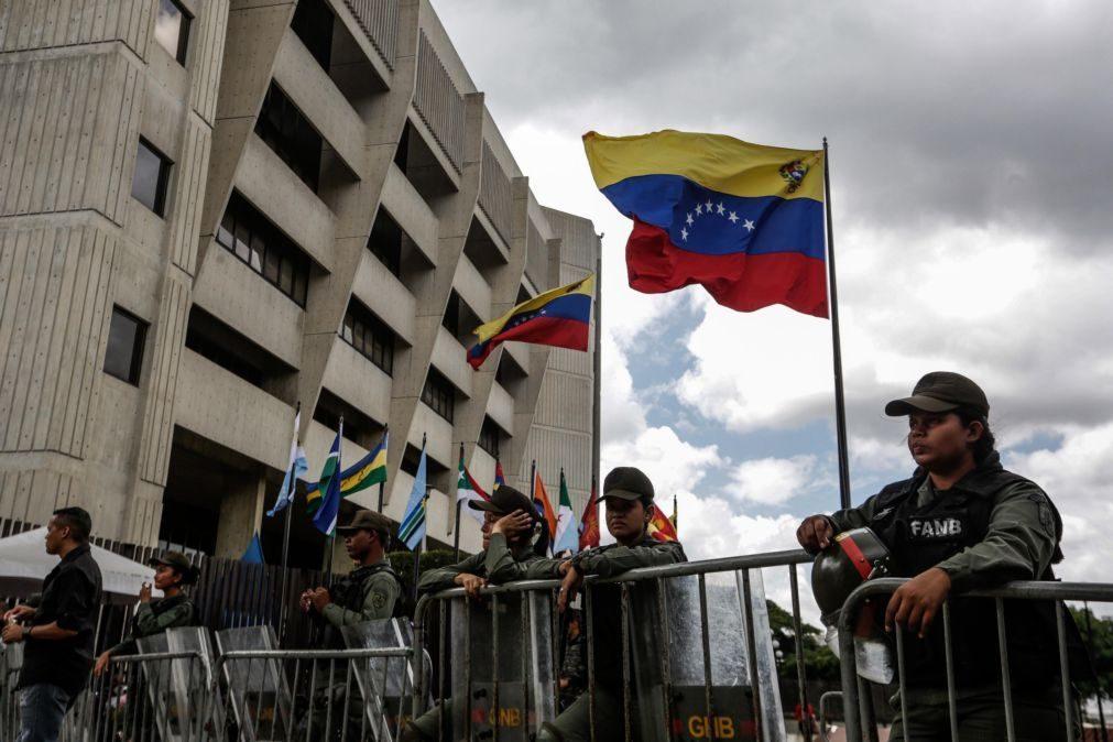 Venezuela: Manifestante morto pelas forças de segurança em manifestação
