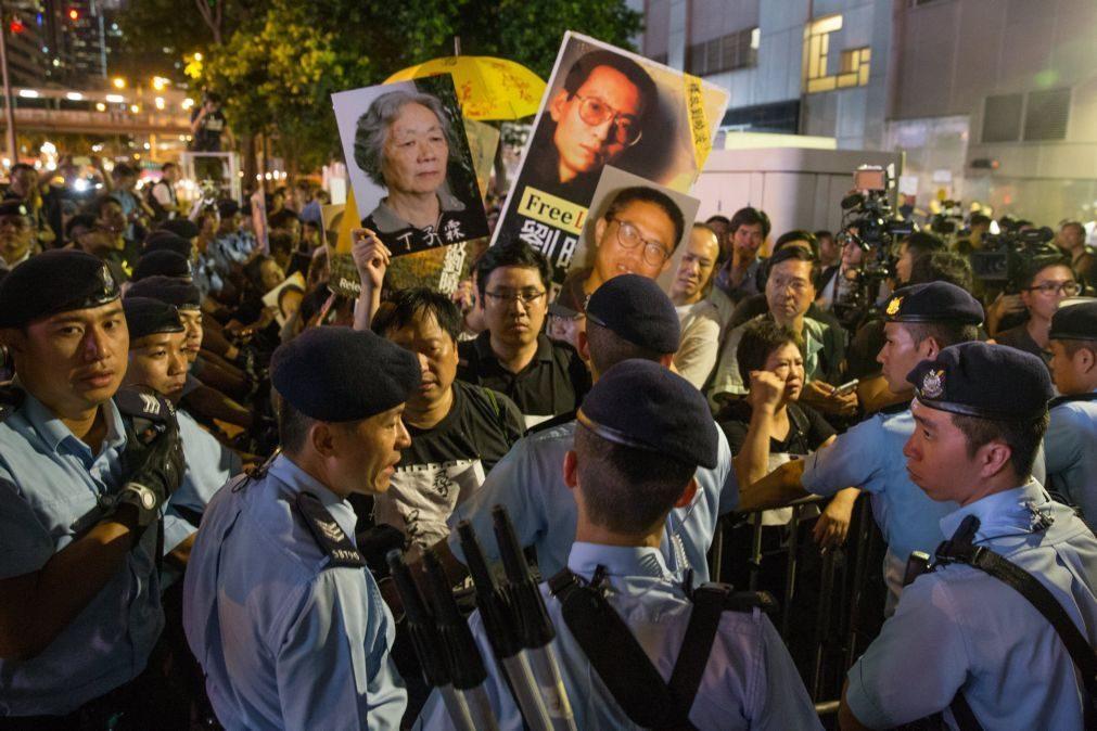 Médicos estrangeiros convidados a irem à China examinar saúde de Nobel da Paz