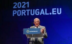 Bielorrússia: Plano de apoio da UE será ativado quando país iniciar transição democrática - Borrell