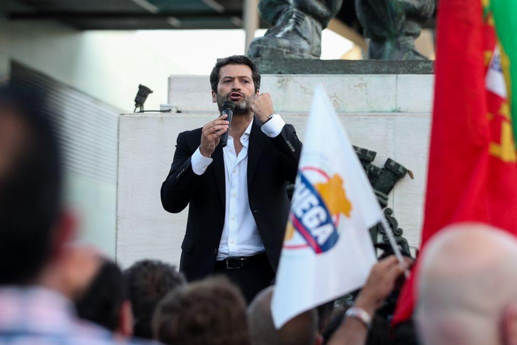 Líder do Chega garante que partido vai definir condições para viabilizar Governo de direita