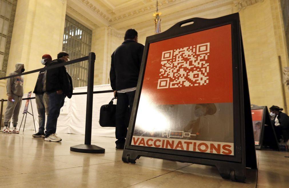 Covid-19: Mais de 50% da população dos EUA já recebeu pelo menos uma dose da vacina