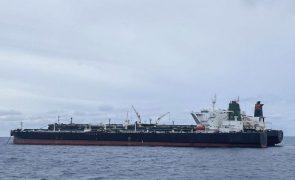 Indonésia liberta dois petroleiros retidos por transporte ilegal de petróleo