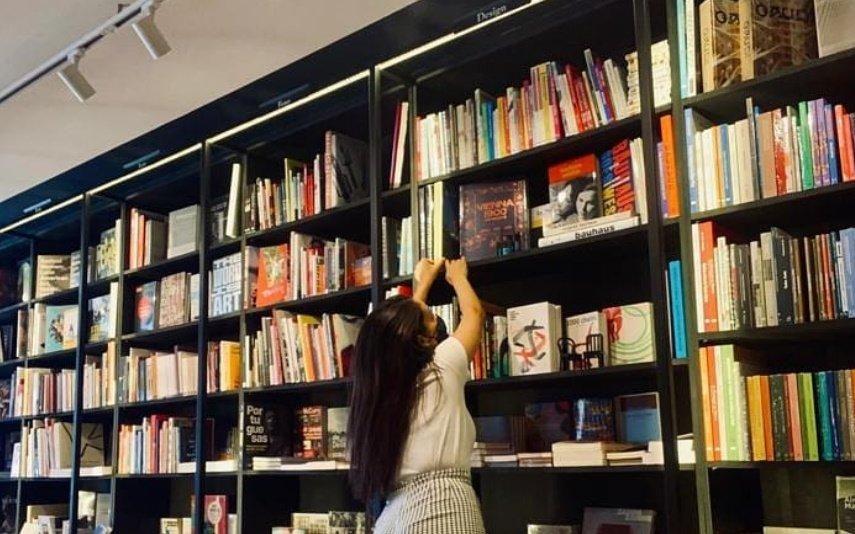 IVAucher alargado a discos e livros com efeitos retroativos