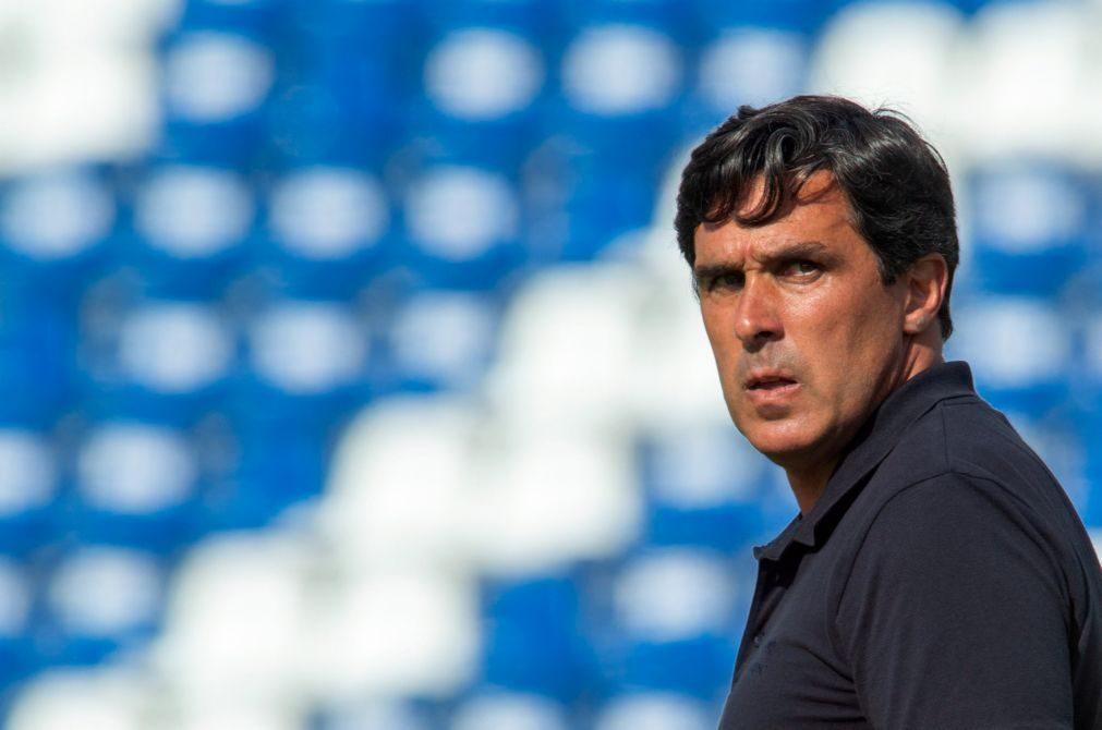 Treinador Daniel Ramos renova por uma época com o Santa Clara