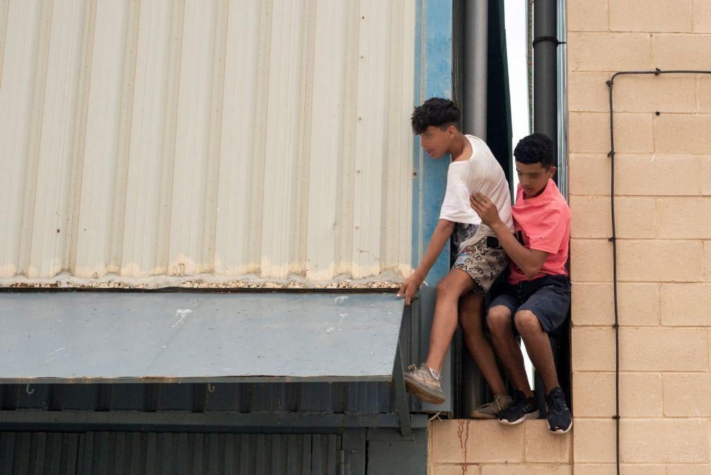 Polícia já identificou 920 menores marroquinos que entraram  em Ceuta