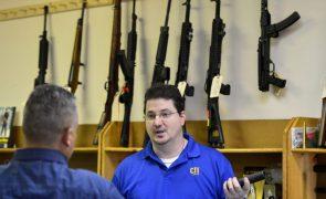 Vendas de armas nos EUA estão a subir num ritmo sem precendentes