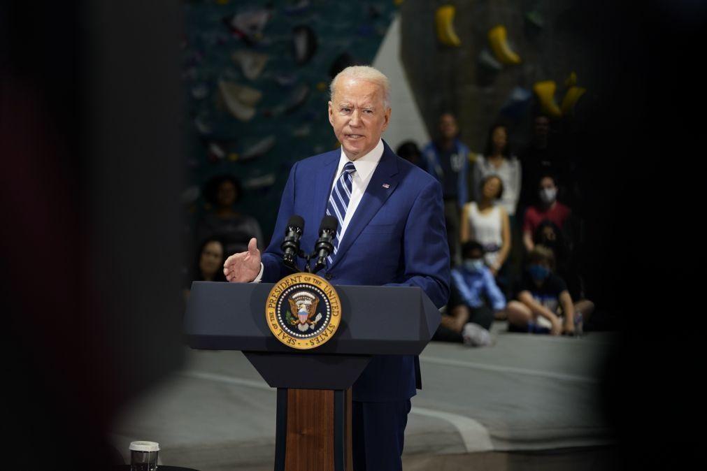 Biden promete dizer a Putin que não o deixará violar os direitos humanos