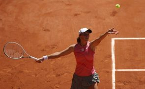 Roland Garros: Iga Swiatek inicia defesa do título com triunfo sobre Kaja Juvan