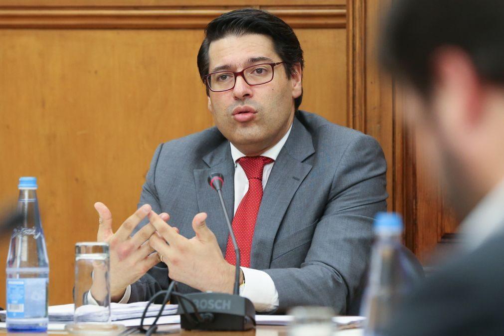 Governo espera concluir processo de venda do Novo Banco até novembro