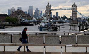 Covid-19: Reino Unido com 3.383 novos casos e uma morte