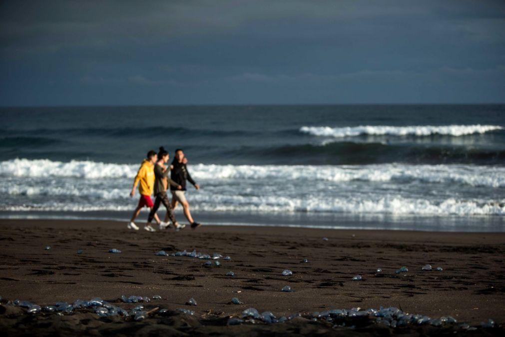 Covid-19: Época balnear arranca hoje nos Açores mas sem coimas