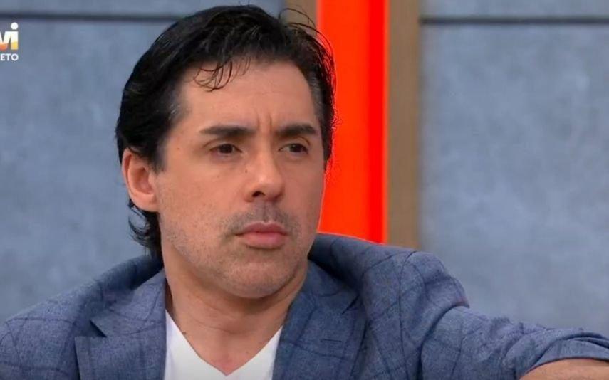 Pedro Soá forçado a reconhecer o corpo do pai em Espanha
