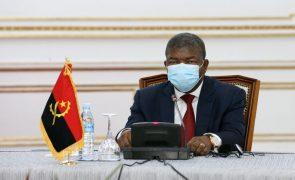 Presidente angolano quer mudanças e fim de 'fantasmas' no meio militar