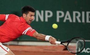 Novak Djokovic atinge segunda ronda de Roland Garros