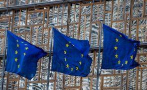 Bruxelas confirma que regras orçamentais continuarão suspensas em 2022