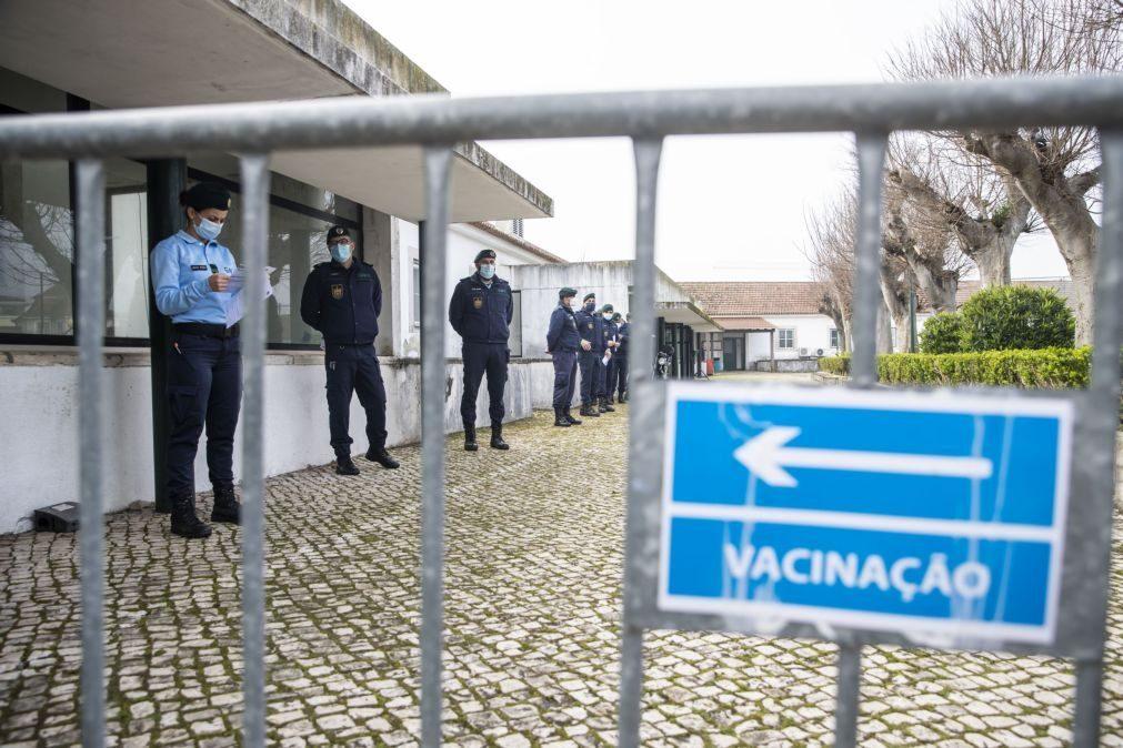Covid-19: MAI pede esclarecimentos à 'Task Force' sobre atrasos na vacinação dos polícias