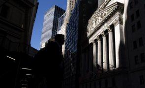 Wall Street inicia sessão em alta à espera de dados da Reserva Federal