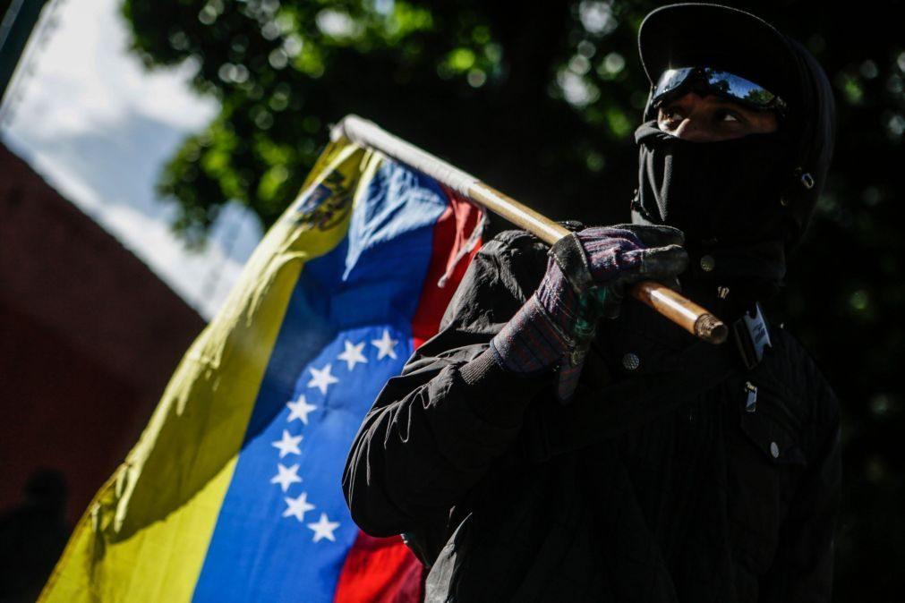 ÚLTIMA HORA: Pelo menos 13 feridos em ataque ao parlamento venezuelano por grupos armados pró regime