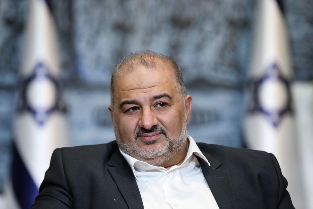Partido árabe Raam formaliza apoio à coligação para novo Governo em Israel
