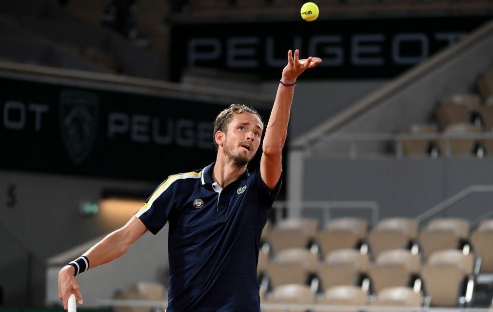 Medvedev apura-se para a terceira ronda de Roland Garros