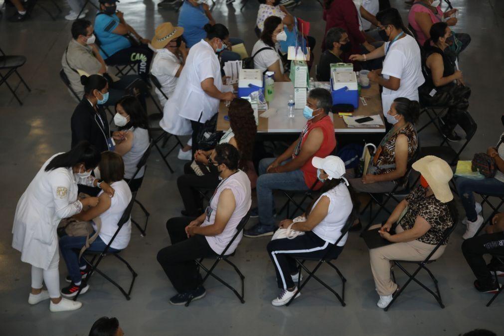Covid-19: México com 306 mortes e 3.269 casos em 24 horas