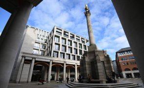 Bolsas europeias em baixa, à espera de mais indicadores económicos
