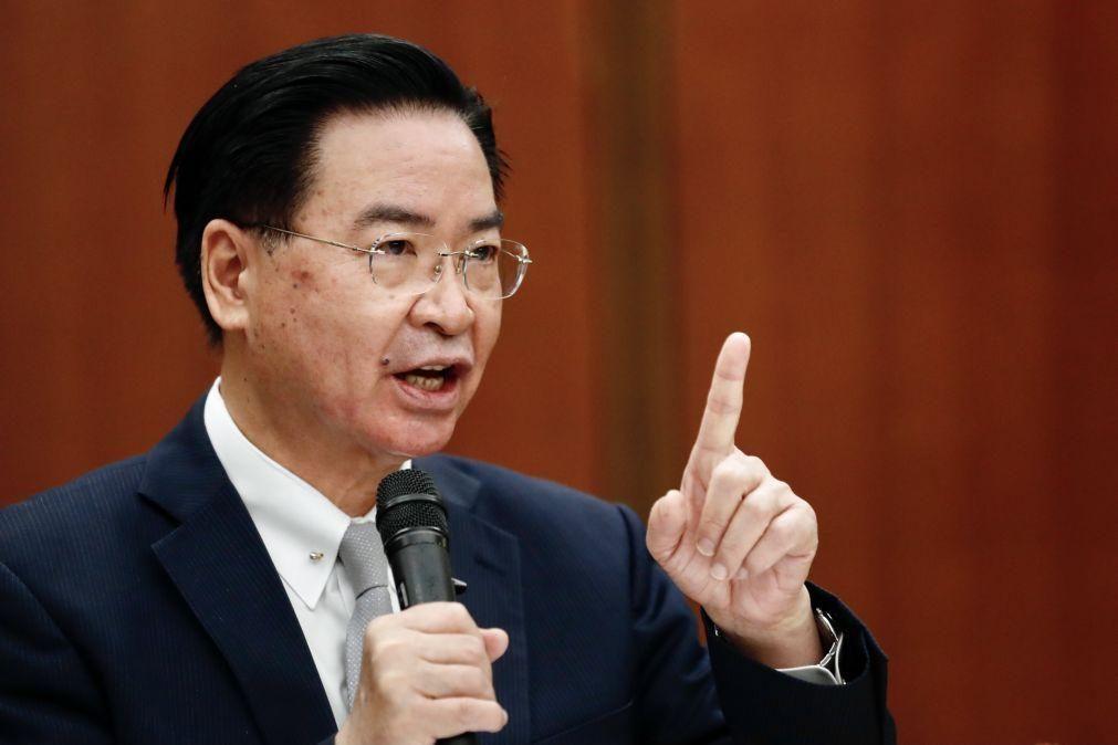 Covid-19: Taiwan acusa China de querer obter ganhos políticos com vacinas