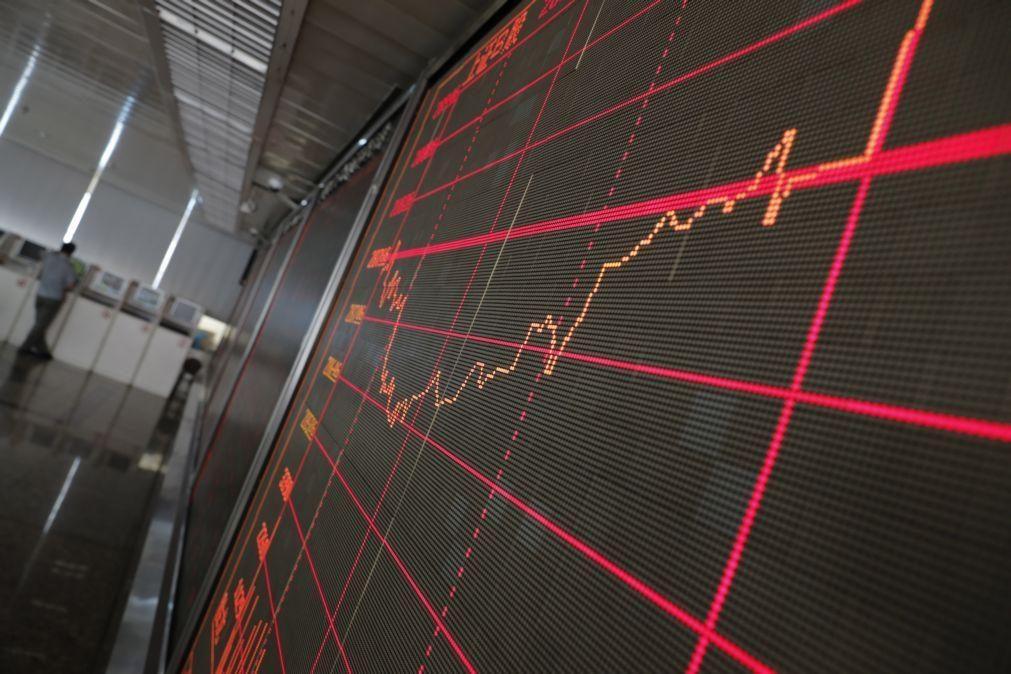 Bolsa de Xangai abre a descer 0,52%