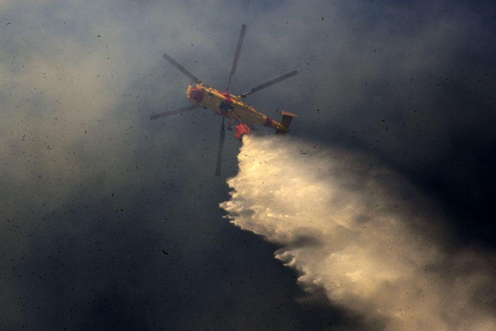 Vinte e sete concelhos do continente em risco muito elevado de incêndio