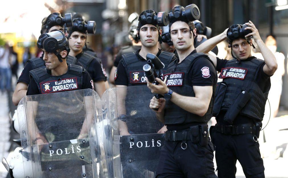 Diretor da Amnistia Internacional na Turquia detido pela polícia