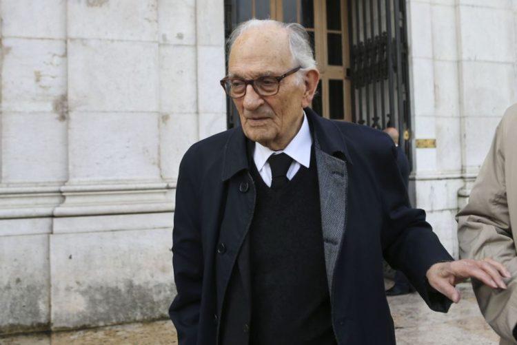 Óbito/Soares: Foi um dos principais vencedores do triunfo da atual democracia -- Adriano Moreira
