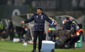 Sérgio Conceição renova por três anos com o FC Porto