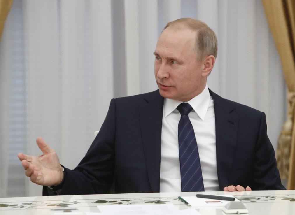 Putin critica protecionismo e sanções contra a Rússia antes da cimeira do G20