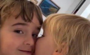 Pai das meninas desaparecidas em Tenerife terá usado pedras para afundá-las