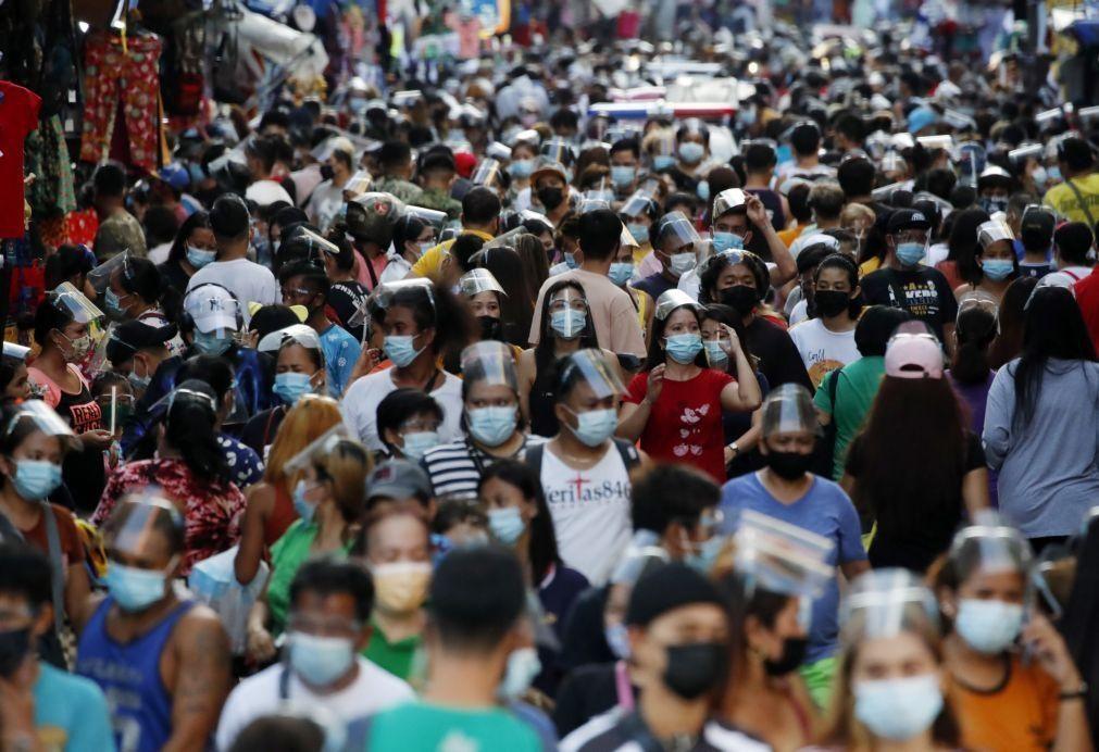 Covid-19: Pandemia já matou 3,72 milhões de pessoas no mundo