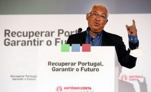 Covid-19: Costa diz que Governo tem feito o que lhe compete para manter Portugal na