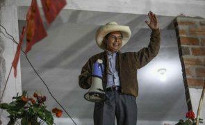 Castillo lidera nas eleições presidenciais do Peru, mas dentro da margem de erro