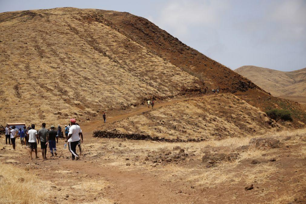 Percurso por antigo vulcão leva turismo de caminhadas à ilha cabo-verdiana de Santiago