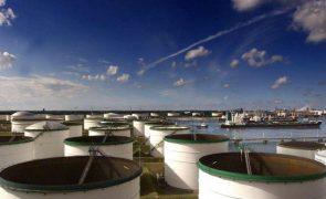 Preço do petróleo da OPEP ultrapassa 70 dólares pela 1.ª vez em 18 meses