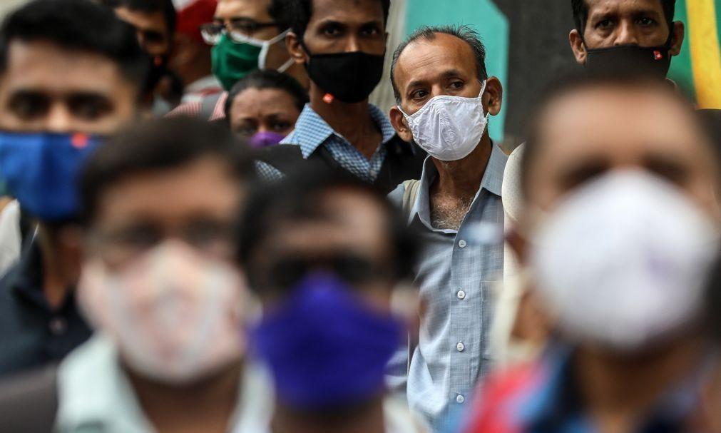Covid-19: Pandemia já matou pelo menos 3,73 milhões de pessoas em todo o mundo