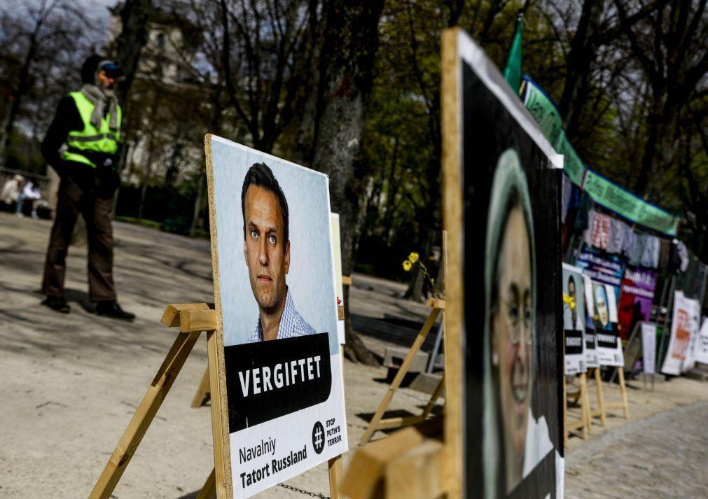 Navalny: Opositor russo regressa à colónia penitenciária