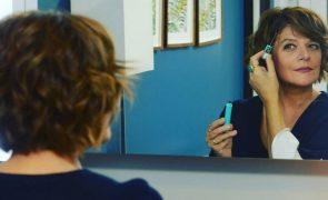 Júlia Pinheiro apanhada em vídeo caseiro filmado na cozinha