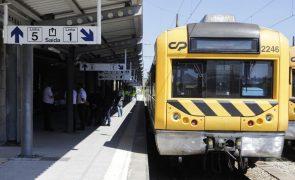 CP realizou 203 comboios de 810 programados até às 16.00
